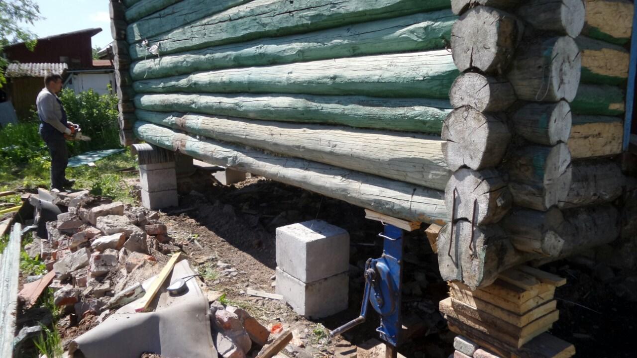 Многотонный домкрат для поднятия деревянного дома